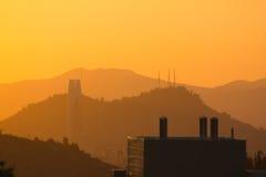 Le Chili - le coucher du soleil de Las Condes Photographie stock libre de droits