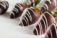 Le chocolat a couvert des fraises Photographie stock