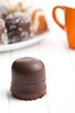 Le chocolat a couvert des guimauves images libres de droits