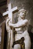 Le Christ portant la croix Photo stock