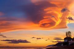 Le ciel avec de beaux nuages photo stock