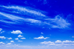 Le ciel bleu. Image stock