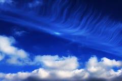 Le ciel bleu opacifie des peintures de fond d'art de mur, belles couleurs, papier peint Photos libres de droits