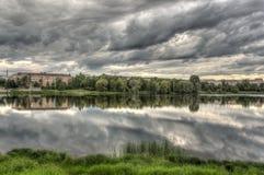 Le ciel dans le lac Photos stock