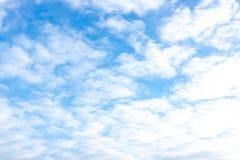 Le ciel dans les nuages photo stock