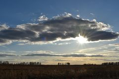 Le ciel dans les nuages photographie stock libre de droits