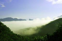 Le ciel de brume en clair Photographie stock libre de droits
