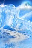 Le ciel de lune de glace opacifie la mer Photographie stock