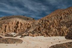 Le ciel magnifique et le paysage de la cathédrale gorgent le parc d'état au Nevada image stock