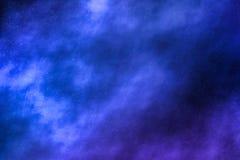Le ciel nocturne tient le premier r?le le fond, nuages de n?buleuse en cosmos photo stock