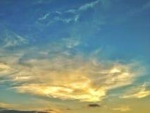 Le ciel quand coucher du soleil photo libre de droits