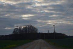 Le ciel, route, forrest images stock