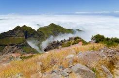 Le cime delle montagne del Madera invase con il legno, OV Fotografie Stock Libere da Diritti