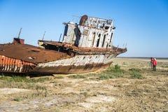 Le cimetière de bateau de la mer d'Aral Photos stock