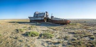 Le cimetière de bateau de la mer d'Aral Photographie stock