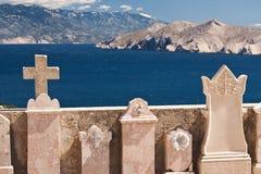Le cimetière en Croatie image stock