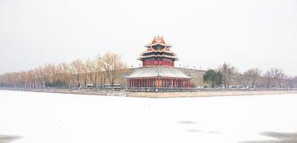 Le Cité interdite après la neige, la tourelle du Cité interdite, architecture royale, caractéristiques royales et signes image stock
