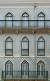 Le classique du Portugal couvre de tuiles les portes historiques Photo libre de droits