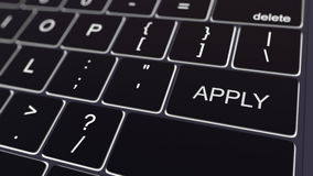 Le clavier d'ordinateur noir et rougeoyer appliquent la clé Rendu 3d conceptuel Image stock