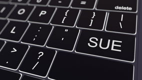 Le clavier d'ordinateur noir et rougeoyer poursuivent la clé Rendu 3d conceptuel Image stock