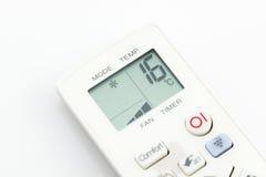 Le climatiseur à télécommande sur 16 degrés de Celsius a isolé Image stock