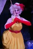 Le clown Anna Orlova exécutent le nombre de bruit de pantomime Images libres de droits