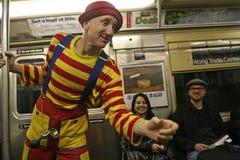 Le clown se cache dans la récession image libre de droits