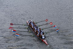 Le club de bateau de Cambridge emballe dans la tête du championnat Eights de Charles Regatta Men photographie stock libre de droits
