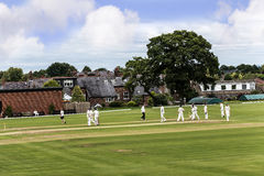 Le club de cricket de bord d'Alderley est un club amateur de cricket basé au bord d'Alderley dans Cheshire Photos stock