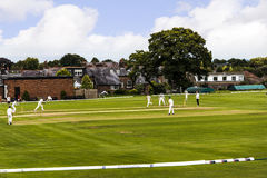 Le club de cricket de bord d'Alderley est un club amateur de cricket basé au bord d'Alderley dans Cheshire Photo libre de droits