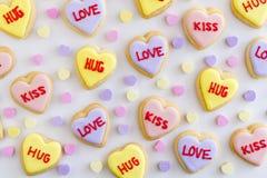 Le coeur de conversation a décoré des biscuits Photographie stock libre de droits