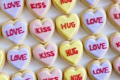 Le coeur de conversation a décoré des biscuits Images libres de droits