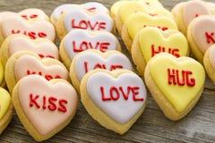 Le coeur de conversation a décoré des biscuits Image libre de droits