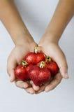 Le coeur de Noël est de donner l'amour entre eux Image libre de droits