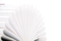 le coeur incurvé par livre pagine la forme Photo libre de droits