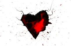 Le coeur noir avec des klaxons avec des baisses rouges et des taches et la peinture noire pulvérisent autour de d'isolement Images libres de droits