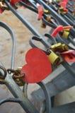Le coeur plaque le symbole d'amour Photos libres de droits