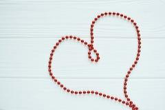 Le coeur rouge des perles Images libres de droits