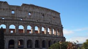 Le Colisé est un symbole de Rome banque de vidéos