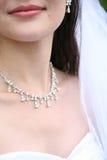 Le collier de la jeune mariée Images libres de droits