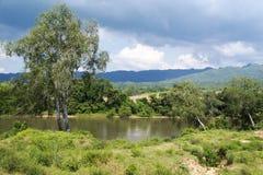 Le colline ed il fiume Fotografie Stock Libere da Diritti