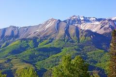 Le colline pedemontana e le montagne si avvicinano al tellururo, Colorado U.S.A. Fotografia Stock