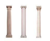 Le colonne antiche del ordo ionico, dorico e del Corinthian sono isolate fotografia stock libera da diritti