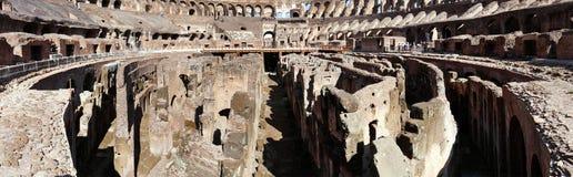 Le Colosseum également appelé en tant que Flavian Amphitheater à Rome Photographie stock libre de droits