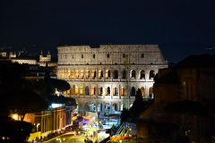 Le Colosseum la nuit Photo libre de droits