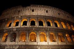 Le Colosseum la nuit, Rome Images stock