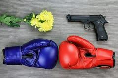 Le combat de la paix et de la violence, de la guerre d'arrêt et du concept de violence Photos stock