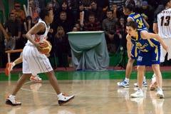 Le combat pour les femmes 2009-2010 de ball.EuroLeague. Photographie stock libre de droits