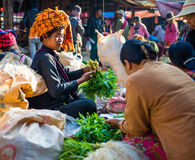 Le commerce pour le peuple de la Birmanie est la source de revenu principale Photo stock