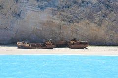 Le compartiment de contrebandiers avec l'épave de bateau Photos libres de droits